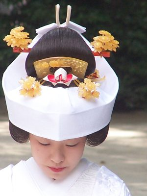 Bride_at_meiji_shrine