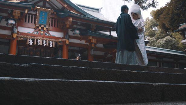 日枝神社の階段にて