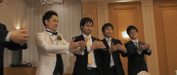 新郎様の歌とダンス
