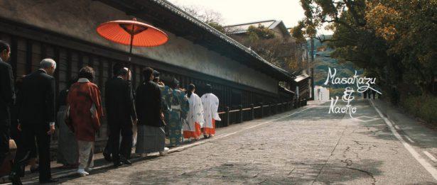 神社への花嫁行列
